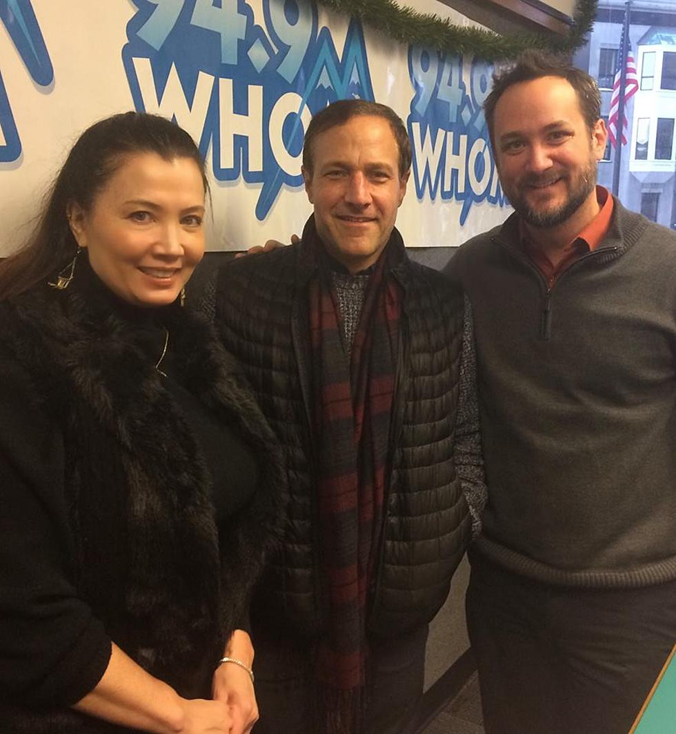 Jim Brickman Reveals Secret Green Guest On Joyful Christmas Tour