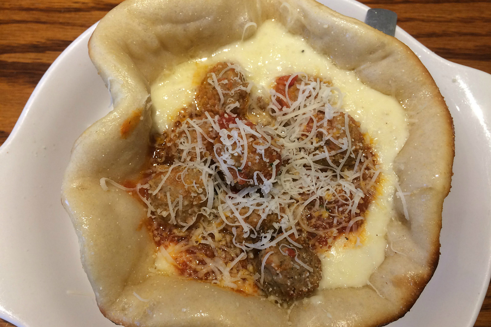 aj reviews the olive garden meatball pizza bowl - Olive Garden Pizza